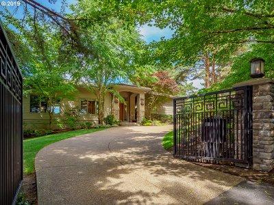 Clackamas County Single Family Home For Sale: 1188 Cherry Cir