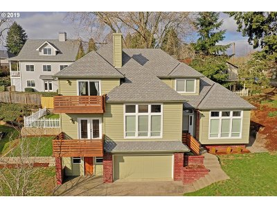 West Linn Single Family Home For Sale: 25790 Kimberly Dr