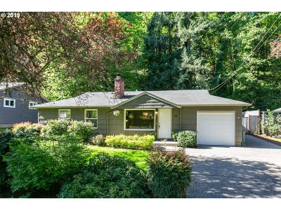 Lake Oswego Single Family Home For Sale: 1310 Oak Ter