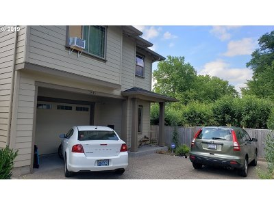 Forest Grove Single Family Home For Sale: 3445 Poplar Ct