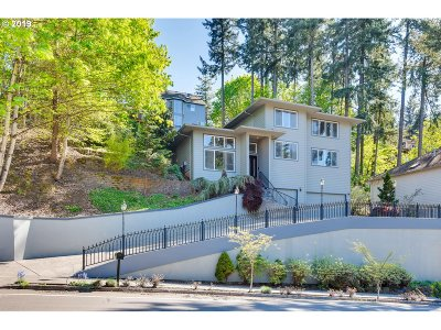 West Linn Single Family Home For Sale: 5670 Summit St