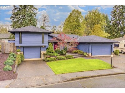 Newberg Single Family Home Bumpable Buyer: 1202 Hawthorne Loop