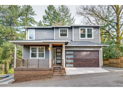 Portland Single Family Home For Sale: 3220 SW Upper Dr