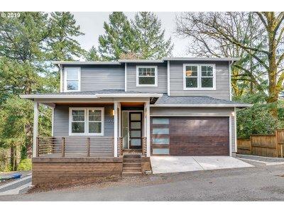 Multnomah County Single Family Home For Sale: 3220 SW Upper Dr