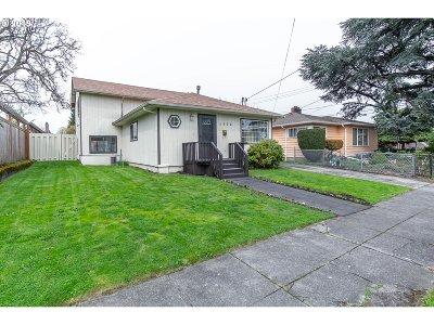 Multnomah County Single Family Home For Sale: 4839 NE 41st Ave