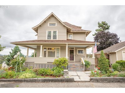 Coquille Single Family Home For Sale: 509 N Collier St