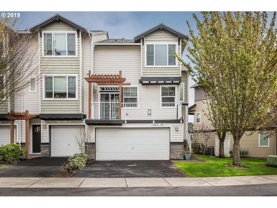 Beaverton Condo/Townhouse For Sale: 15435 SW Mallard Dr #105