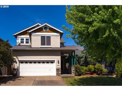 Hillsboro Single Family Home For Sale: 1435 NE Setting Sun Dr