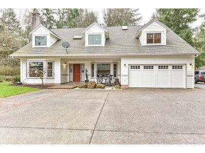 Lake Oswego Single Family Home For Sale: 17890 Kelok Rd