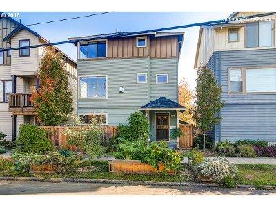 Portland Single Family Home For Sale: 5264 NE Garfield Ave