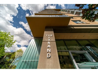 Portland Condo/Townhouse For Sale: 1930 SW River Dr #W601