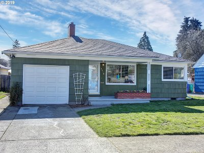 Single Family Home For Sale: 8010 SE Taggart St