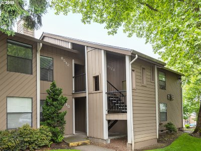 Tualatin Condo/Townhouse For Sale: 8512 SW Mohawk St