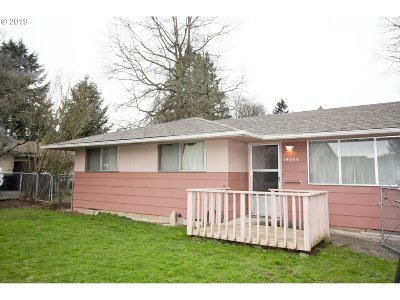 Milwaukie Single Family Home For Sale: 14855 SE Johnson Rd