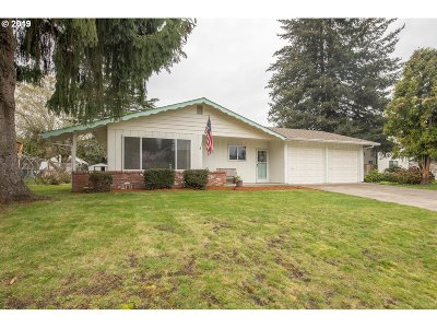 McMinnville Single Family Home For Sale: 2723 NE Elaine Dr