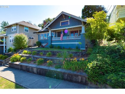 Roseburg Single Family Home For Sale: 639 SE Chadwick St