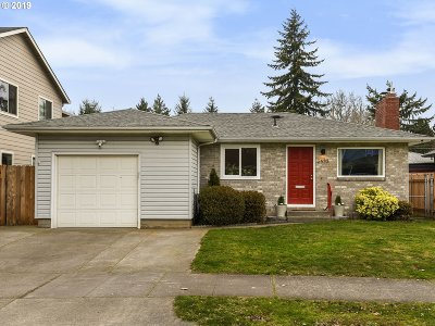 Clackamas County, Multnomah County, Washington County Single Family Home For Sale: 2623 N Halleck St