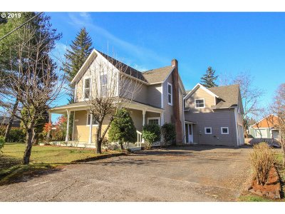 Forest Grove Single Family Home For Sale: 1626 Hawthorne St