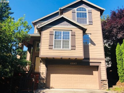 Clackamas OR Single Family Home For Sale: $390,000