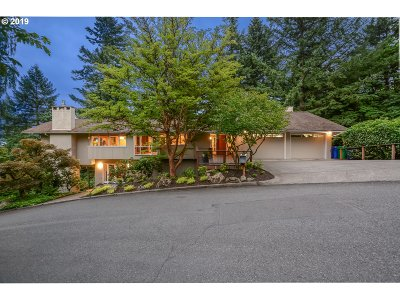 Portland Single Family Home For Sale: 3510 SW Sherwood Pl