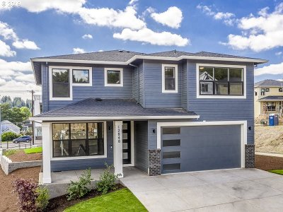 Happy Valley Single Family Home For Sale: 12848 SE Gateway Dr