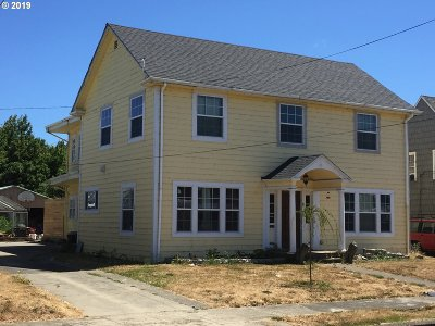 Myrtle Point Single Family Home For Sale: 821 6th