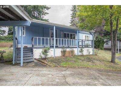 Newberg, Dundee, Mcminnville, Lafayette Single Family Home For Sale: 1602 NE Riverside Dr #3