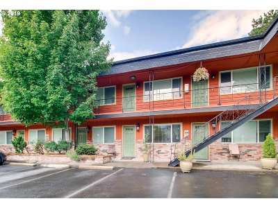 Clackamas County, Multnomah County, Washington County, Clark County, Cowlitz County Condo/Townhouse For Sale: 2153 NE Weidler St
