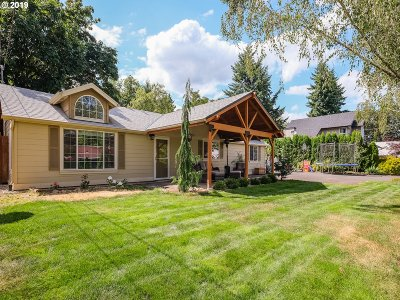 Oregon City Single Family Home For Sale: 459 Holmes Ln