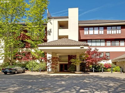 Johns Landing, Johns Landing & Fulton Park, South Waterfront Condo/Townhouse For Sale: 5270 SW Landing Sq #15-A