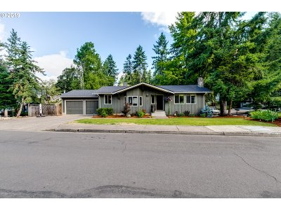 Eugene Single Family Home For Sale: 3423 Breezewood Ave