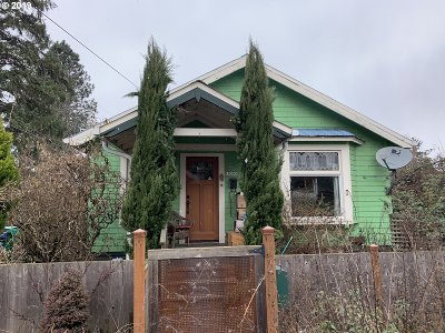 Portland Single Family Home For Sale: 10205 N Tioga Ave