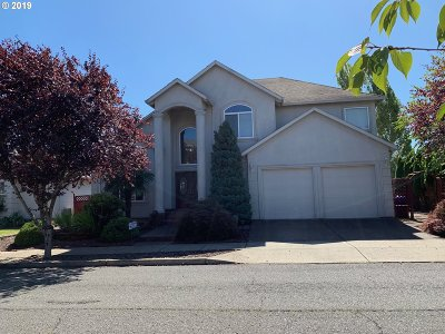 Multnomah County Single Family Home For Sale: 15348 SE Henderson Way