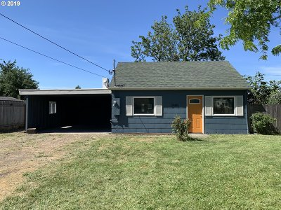 Springfield Single Family Home For Sale: 2440 J St