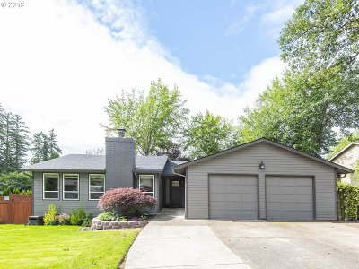 Beaverton Single Family Home For Sale: 17622 NW Dogwood Ct