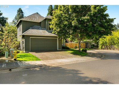 Single Family Home For Sale: 18390 SW Saddlebrook Ct