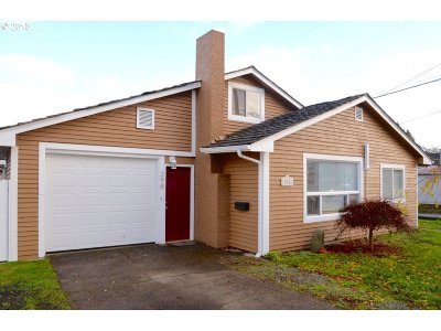 Coos Bay Single Family Home For Sale: 298 S 10th St