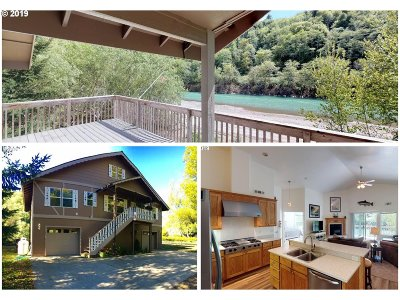 Brookings Single Family Home For Sale: 98704 N Bank Chetco Rd