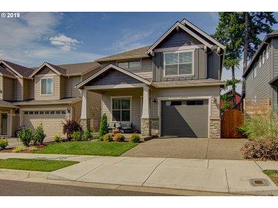 Oregon City Single Family Home For Sale: 14709 Blue Blossom Way