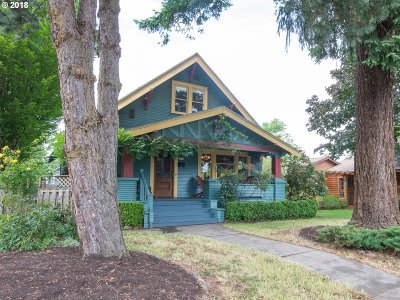 Portland Single Family Home For Sale: 7603 SE Ellis St