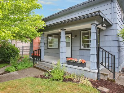 Portland Single Family Home For Sale: 4024 SE 65th Ave