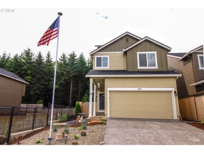 Scappoose Single Family Home For Sale: 33288 SW Havlik Dr
