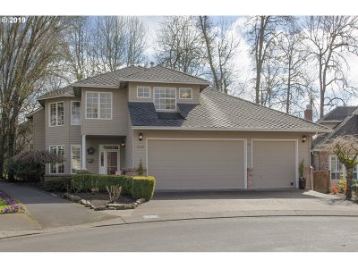 Lake Oswego Single Family Home For Sale: 5200 Westfield Ct