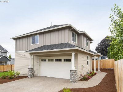 Canby Single Family Home For Sale: 572 NW Knights Bridge Rd