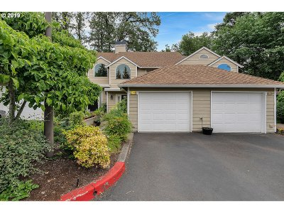 Lake Oswego Condo/Townhouse For Sale: 3944 Carman Dr