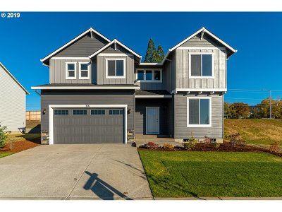 Newberg Single Family Home For Sale: 301 Barbaras Way