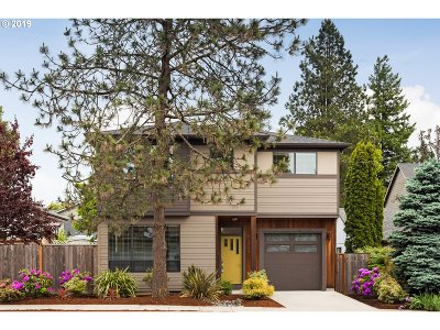 Portland Single Family Home For Sale: 7320 SE 48th Ave