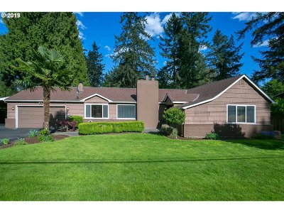 Lake Oswego Single Family Home For Sale: 15780 Twin Fir Rd