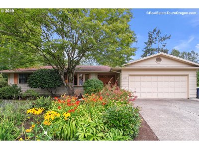Beaverton Single Family Home For Sale: 2760 SW 175th Ave