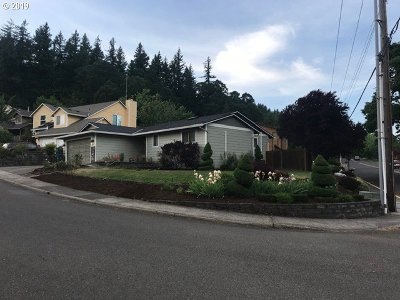 Clackamas OR Single Family Home For Sale: $386,000